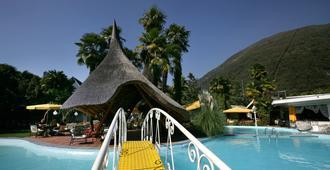 阿尔伯格罗索恩酒店 - 阿斯科纳 - 游泳池