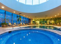 托雷翁皇冠假日酒店 - 托雷翁 - 游泳池