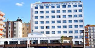 马拉巴迪酒店 - 迪亚巴克尔