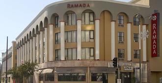 华美达威尔希尔酒店 - 洛杉矶 - 建筑