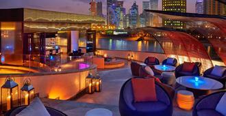 多哈四季酒店 - 多哈 - 酒吧