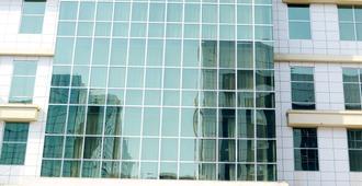 迪拜彩虹酒店 - 迪拜 - 建筑