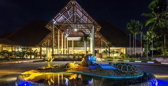 阿曼尼提维海滩渡假酒店 - 蒙巴萨