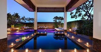 水门中心点酒店 - 曼谷 - 游泳池