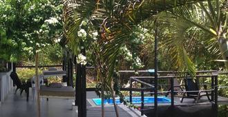马萨利民宿 - 圣安德列斯 - 游泳池