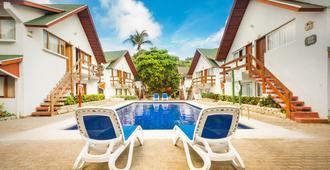 圣路易斯得可麦仑度假酒店 - - 圣安德列斯 - 游泳池