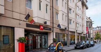 宜必思布鲁塞尔中心圣凯瑟琳酒店 - 布鲁塞尔 - 建筑