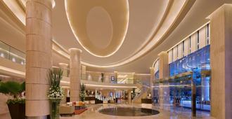 孟买国际机场万怡酒店 - 孟买 - 大厅