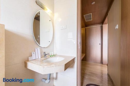 伊思格兰德翠波酒店 - 哥印拜陀 - 浴室