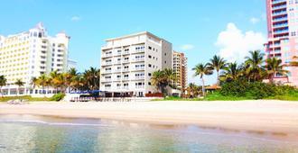 海滩太阳塔套房酒店 - 劳德代尔堡 - 建筑