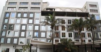 贝斯特韦斯特plus子午线旅馆 - 内罗毕 - 建筑