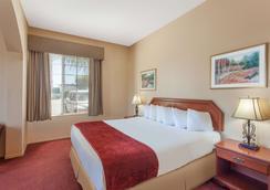 弗雷斯诺西北华美达酒店 - 弗雷斯诺 - 睡房