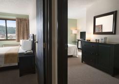 科达伦戴斯酒店 - Coeur d'Alene - 睡房