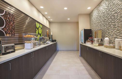 查塔努加观景峰拉金塔旅馆及套房酒店 - 查塔努加 - 自助餐
