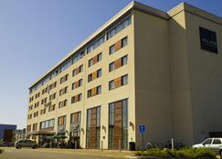 斯旺西乡村酒店 - 斯旺西 - 建筑