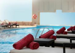 迪拜罗塔纳媒体酒店 - 迪拜 - 游泳池