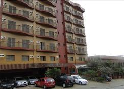 宝瓶山谷酒店 - 圣若泽多斯坎波斯 - 建筑