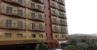 宝瓶山谷酒店 - 圣若泽多斯坎波斯