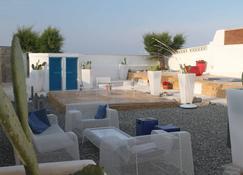 美女海滩别墅酒店 - 莫诺波利 - 睡房