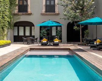 圣罗莎豪华酒店 - 克雷塔罗 - 游泳池