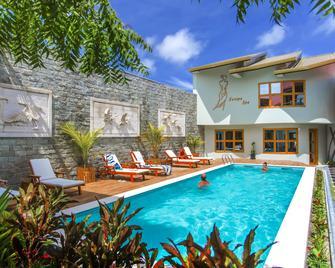卡尼村及水疗酒店 - 马富施 - 游泳池