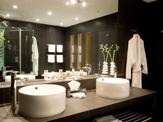 夏特龙别墅美居酒店 - 波尔多 - 浴室