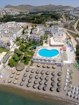 依西斯之美海滩酒店 - 式 - 博德鲁姆 - 游泳池