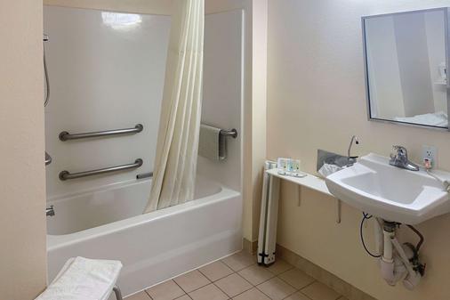 盖恩斯维尔 I-75 品质酒店 - 盖恩斯维尔 - 浴室