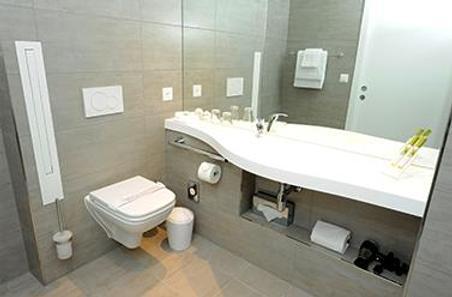阿夸蒂斯酒店 - 洛桑 - 浴室