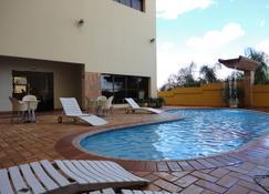 波塔尔伊斯特酒店 - 普鲁登特总统城 - 游泳池