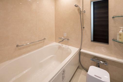 东京湾舒适套房酒店 - 浦安市 - 浴室
