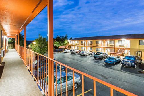 优质酒店 - 雪松城 - 阳台