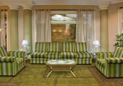 格林维尔海伍德拉奎塔酒店及套房 - 格林维尔 - 大厅