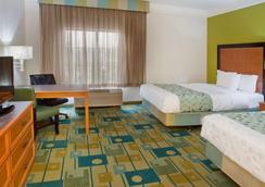 格林维尔海伍德拉奎塔酒店及套房 - 格林维尔 - 睡房