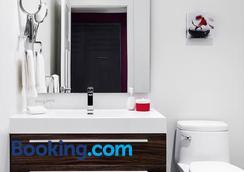 邻里酒店 - 魁北克市 - 浴室