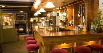 坦刻维尔阿姆斯酒店 - 阿尼克 - 酒吧