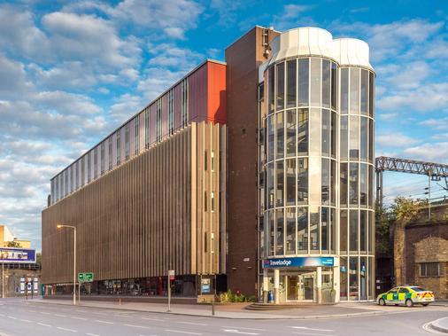 伦敦市中心塔桥旅游旅馆 - 伦敦 - 建筑