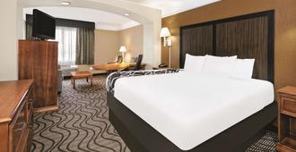 圣安东尼奥北橡树石拉昆塔套房酒店 - 圣安东尼奥 - 睡房