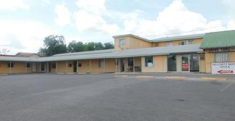 Hillcrest Motel - 伊格尔帕斯 - 建筑