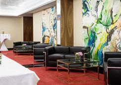 杜塞尔多夫德拉格生活酒店 - 杜塞尔多夫 - 休息厅