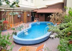 巴尔比大酒店 - 门多萨 - 游泳池