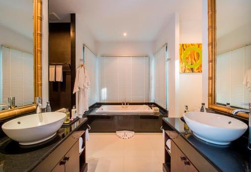 贝尔泳池别墅度假村 - 卡玛拉 - 浴室