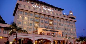 格兰沙努尔酒店 - 巴厘巴板 - 建筑