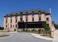 圣布兰登旅馆 - 绿湾 - 建筑