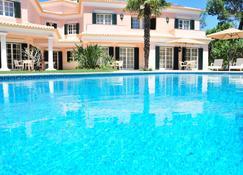 卡斯凯什魅力旅馆 - 卡斯卡伊斯 - 游泳池