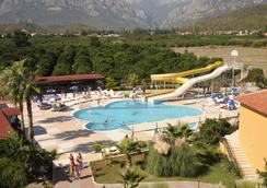 塞科度假酒店 - 式 - 凯麦尔 - 游泳池