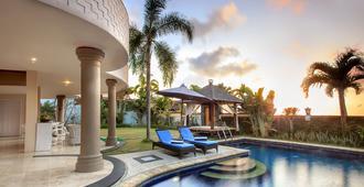 巴里岛比佛利山庄酒店 - 乌鲁瓦图 - 游泳池