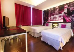 泗水麦克斯大厦最爱酒店 - 泗水 - 睡房