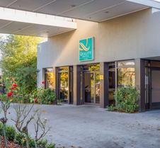 榆树品质酒店