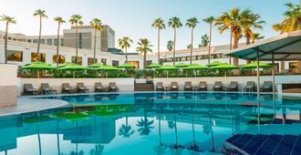 迪拜艾美酒店及会议中心 - 迪拜 - 游泳池
